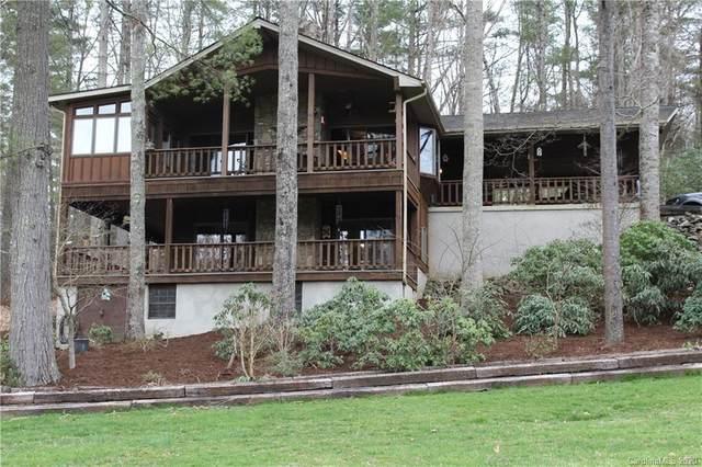 20 Willow Lake Drive, Hendersonville, NC 28739 (#3603444) :: Rinehart Realty
