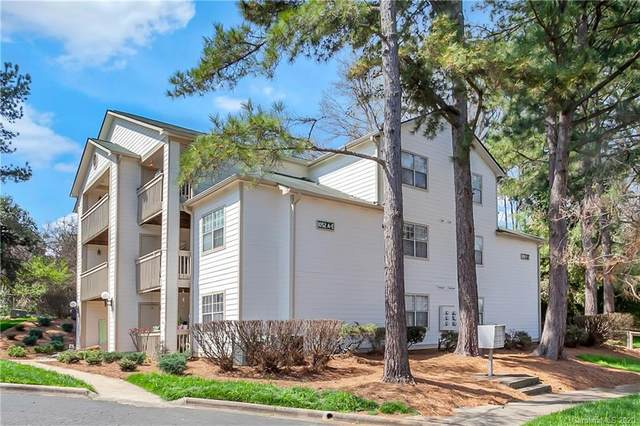 1052 Churchill Downs Court G, Charlotte, NC 28211 (#3604241) :: LePage Johnson Realty Group, LLC