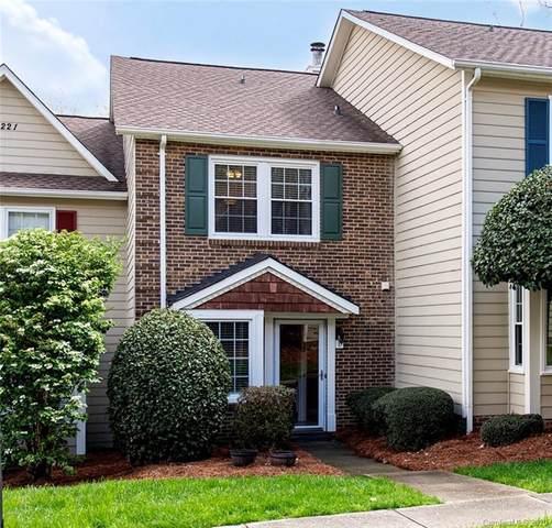 8221 Pineville Matthews Road E, Charlotte, NC 28226 (#3607335) :: Carver Pressley, REALTORS®