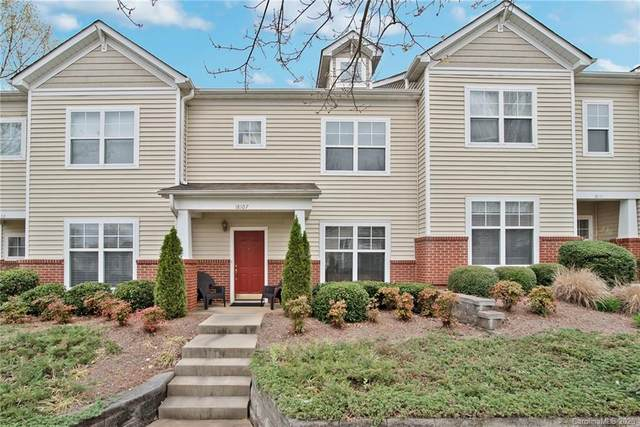 18107 Amberwood Glen Drive, Cornelius, NC 28031 (#3607350) :: Puma & Associates Realty Inc.
