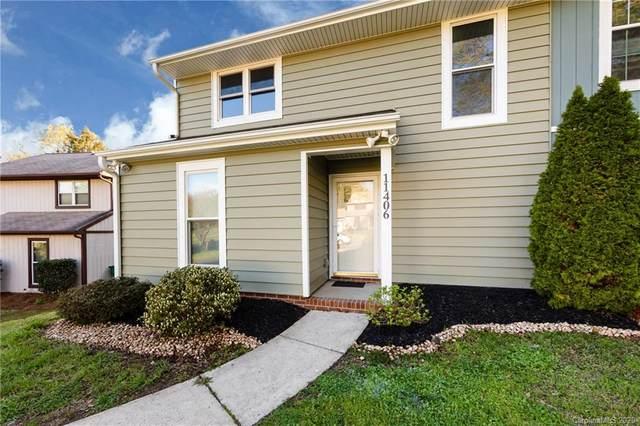 11406 Kingfisher Drive, Charlotte, NC 28226 (#3607549) :: Carver Pressley, REALTORS®