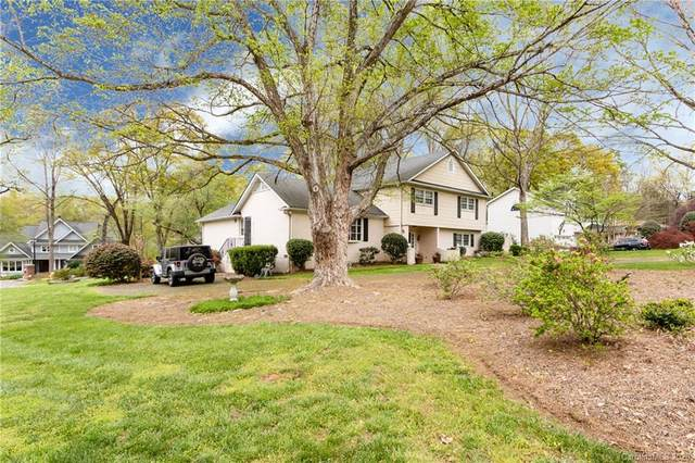 5620 Merrymount Drive, Charlotte, NC 28226 (#3609453) :: SearchCharlotte.com