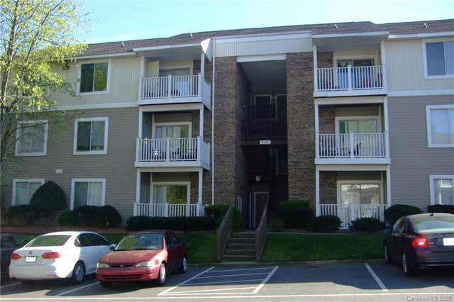 9523 University Terrace Drive E, Charlotte, NC 28262 (#3609538) :: Roby Realty