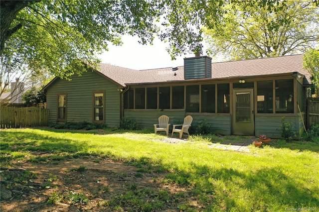 10001 Fairway Ridge Road, Charlotte, NC 28277 (#3609768) :: Keller Williams South Park
