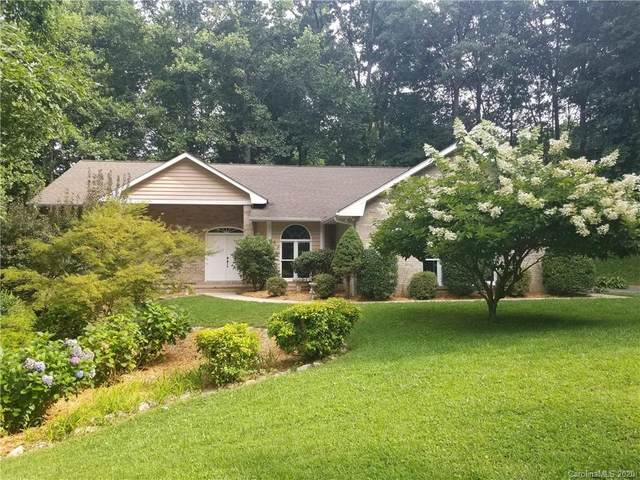 6 Squirrel Trail Court, Hendersonville, NC 28791 (#3610064) :: Rinehart Realty