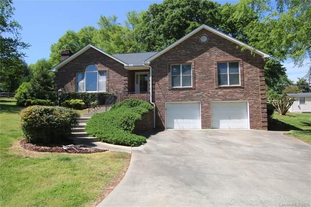 212 Meadowbrook Circle, Dallas, NC 28034 (#3612085) :: SearchCharlotte.com