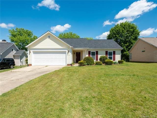 4519 Hounds Run Drive, Matthews, NC 28105 (#3612468) :: Charlotte Home Experts