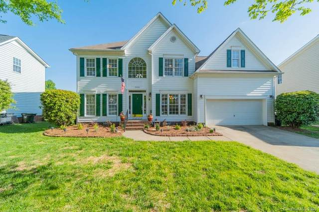 10316 Friarsgate Road, Huntersville, NC 28078 (#3612709) :: Charlotte Home Experts
