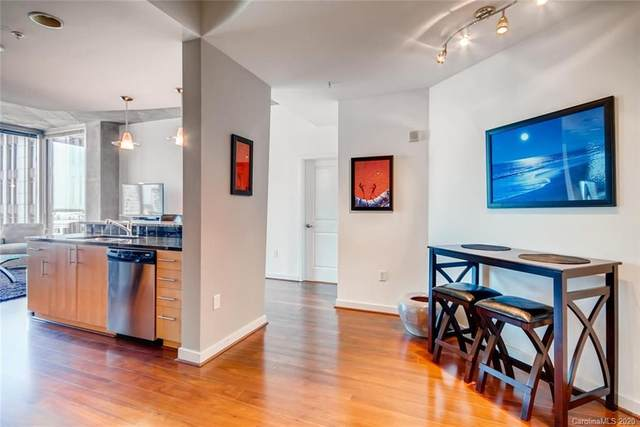 210 N Church Street #1609, Charlotte, NC 28202 (#3613178) :: Stephen Cooley Real Estate Group