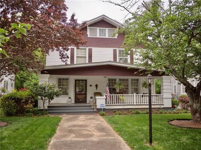 425 Walnut Street, Statesville, NC 28677 (#3613312) :: Carver Pressley, REALTORS®