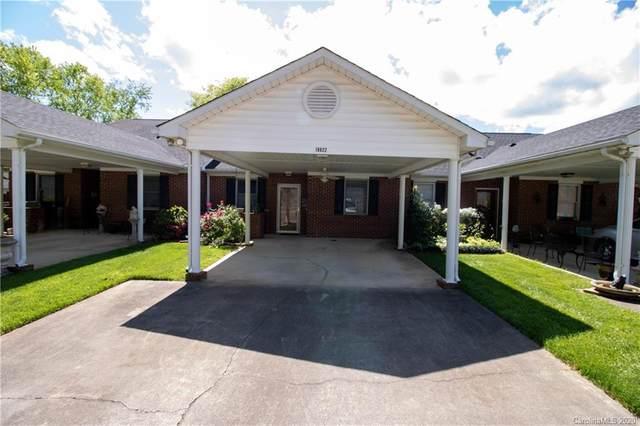 19822 Oak Leaf Circle, Cornelius, NC 28031 (#3615184) :: MartinGroup Properties