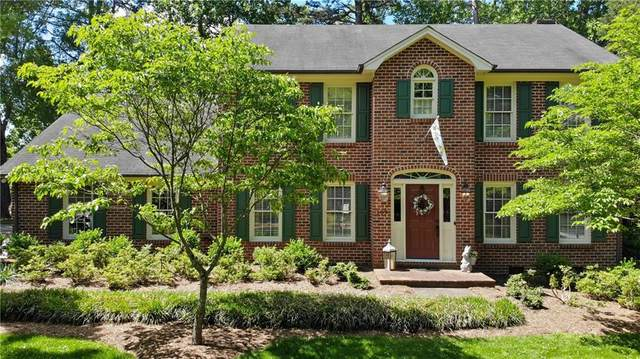 109 36th Avenue NW, Hickory, NC 28601 (#3617542) :: Carlyle Properties