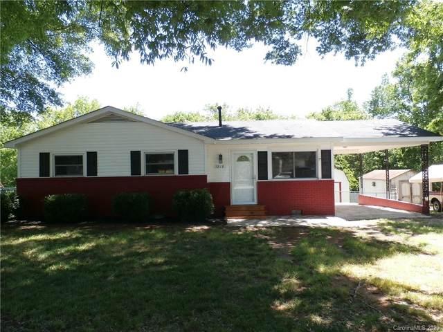 1213 Hidden Valley Drive, Concord, NC 28027 (#3617845) :: Keller Williams South Park
