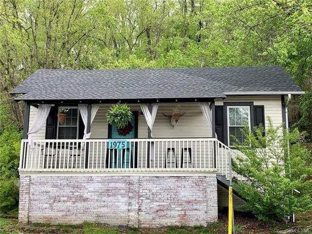 1975 Riverside Drive, Asheville, NC 28804 (#3618046) :: Besecker Homes Team