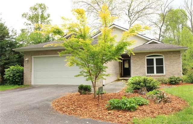 949 Kanuga Road, Hendersonville, NC 28739 (#3618295) :: MartinGroup Properties