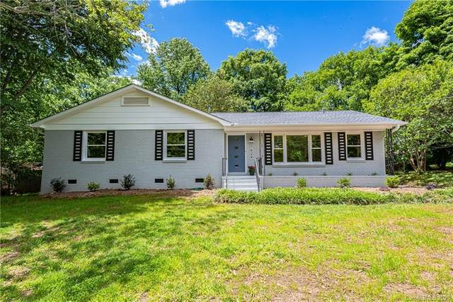 7524 Thorncliff Drive, Charlotte, NC 28210 (#3618424) :: Charlotte Home Experts