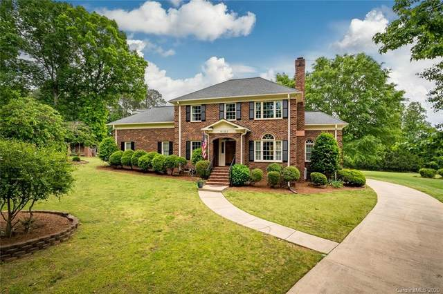 8165 Shannon Woods Lane, Matthews, NC 28104 (#3619444) :: Miller Realty Group