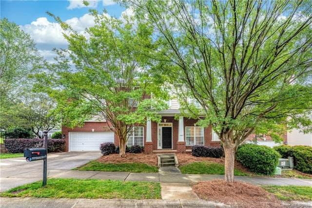 14625 Harvington Drive, Huntersville, NC 28078 (#3619808) :: MartinGroup Properties