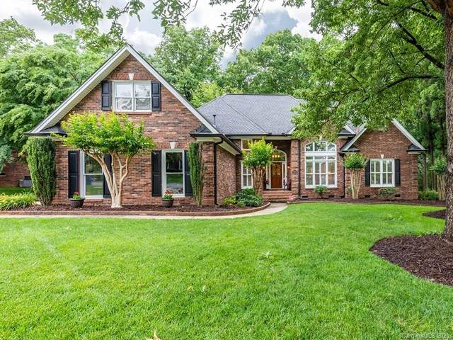 4425 Shannamara Drive, Matthews, NC 28104 (#3619920) :: MartinGroup Properties
