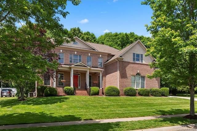 6415 Riverside Oaks Drive, Huntersville, NC 28078 (#3620387) :: Carver Pressley, REALTORS®