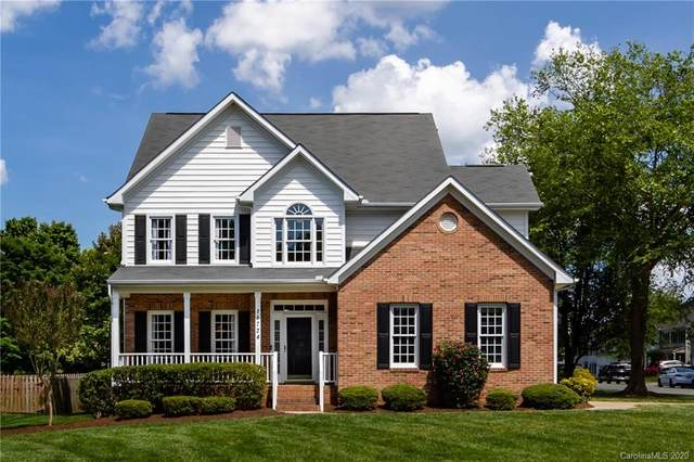 16724 Hampton Crossing Drive, Huntersville, NC 28078 (#3620410) :: Carver Pressley, REALTORS®