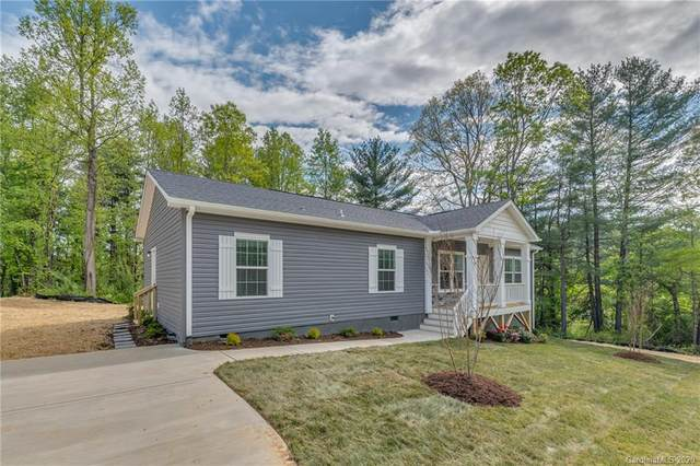 124 Moss Hill Drive, Hendersonville, NC 28792 (#3620787) :: Carlyle Properties
