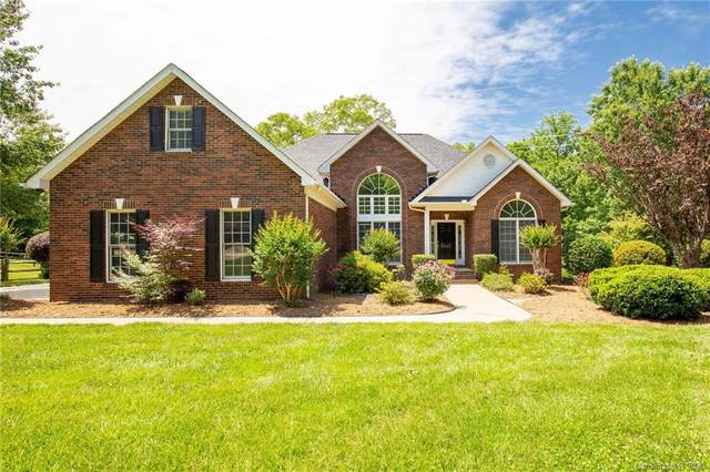 8061 Weddington Downs Drive, Matthews, NC 28104 (#3621296) :: Miller Realty Group