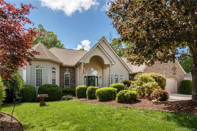 2321 Pommel Road, Hendersonville, NC 28791 (#3621584) :: Carlyle Properties