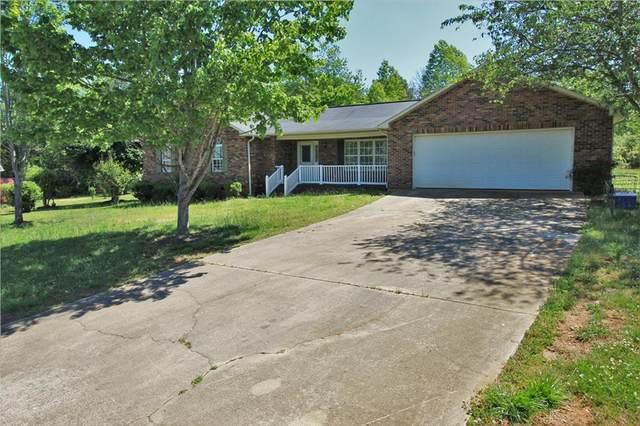 5179 Cedar Bark Lane, Hickory, NC 28602 (#3621765) :: Rinehart Realty