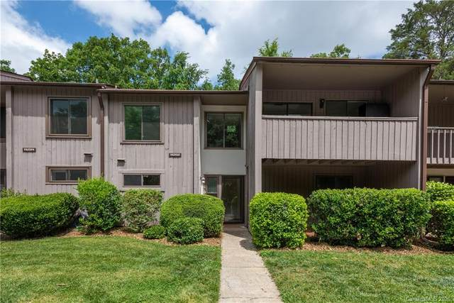 11202 Carmel Chace Drive #103, Charlotte, NC 28226 (#3623057) :: Carlyle Properties