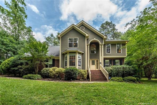 9910 Hanging Moss Trail, Mint Hill, NC 28227 (#3623182) :: MartinGroup Properties
