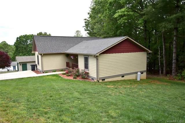 399 Hunters Ridge Drive, Mills River, NC 28759 (#3623249) :: Carolina Real Estate Experts