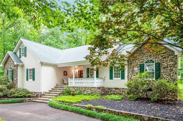 3939 Den Drive, Hickory, NC 28602 (#3623840) :: Homes Charlotte