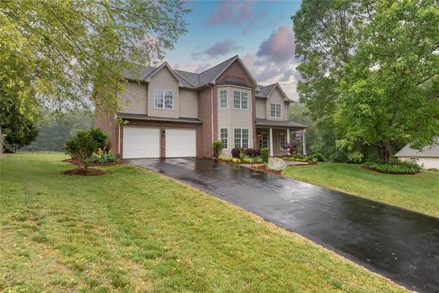 2726 Touchstone Circle, Newton, NC 28658 (#3623903) :: Homes Charlotte