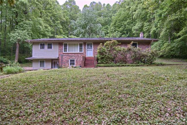 2448 Bonaire Drive, Hendersonville, NC 28739 (#3623921) :: Caulder Realty and Land Co.