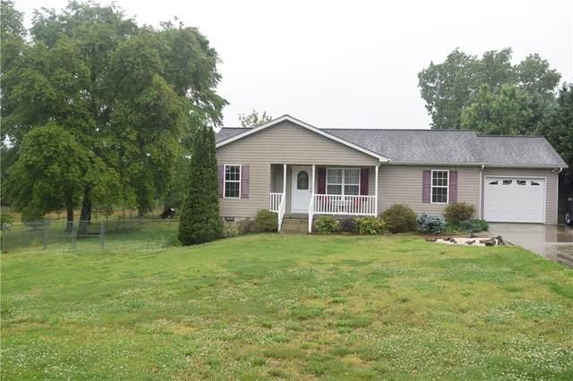 52 Glade Creek Drive, Taylorsville, NC 28681 (#3624248) :: Rowena Patton's All-Star Powerhouse