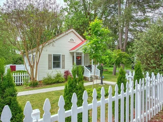 38 S Hill Street, Waynesville, NC 28786 (#3624835) :: Scarlett Property Group
