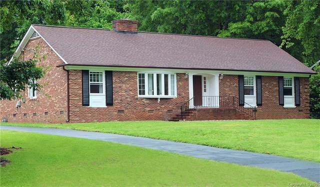 2515 Huntingtowne Farms Lane, Charlotte, NC 28210 (#3624982) :: Scarlett Property Group