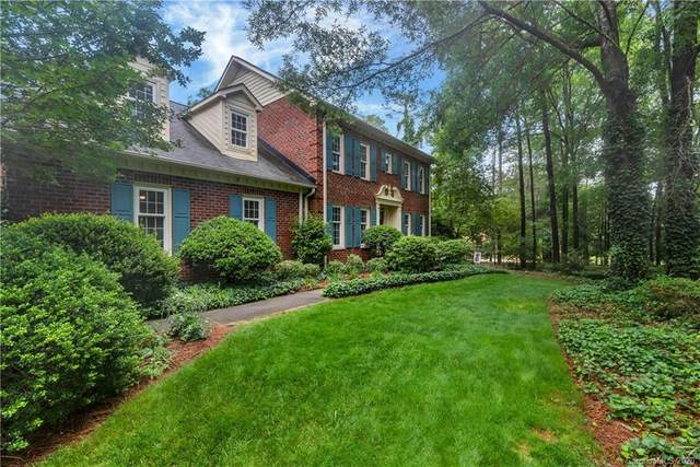 1000 Hanover Drive NW, Concord, NC 28027 (#3625609) :: Caulder Realty and Land Co.