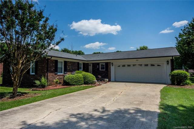 200 Dellinger Drive, Statesville, NC 28625 (#3627125) :: Keller Williams South Park