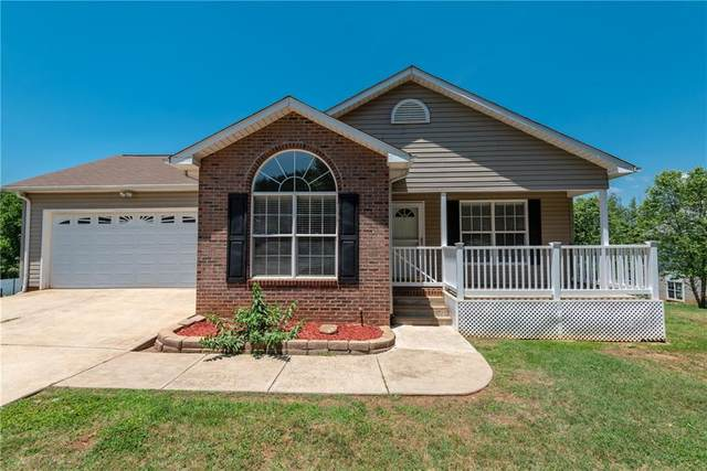 1867 Bakers Glade Lane, Hickory, NC 28602 (#3627193) :: Carlyle Properties