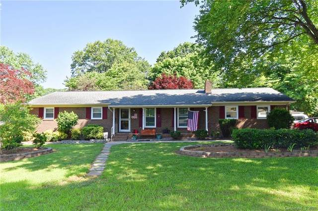 210 Crestview Drive, Lincolnton, NC 28092 (#3627686) :: Miller Realty Group
