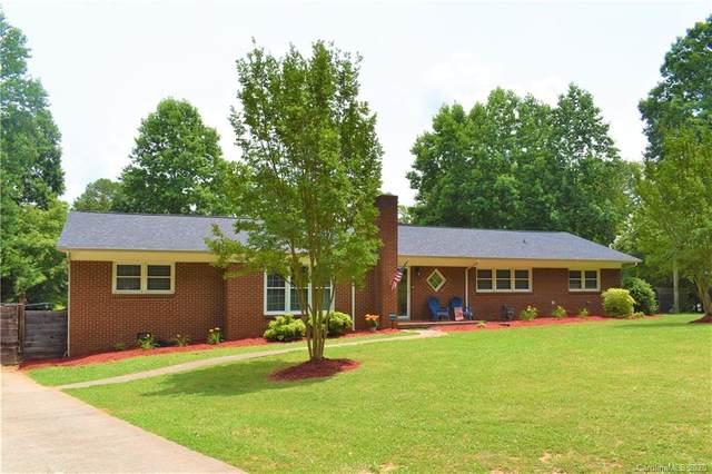 1640 Carolina Circle, Gastonia, NC 28054 (#3628941) :: Homes Charlotte