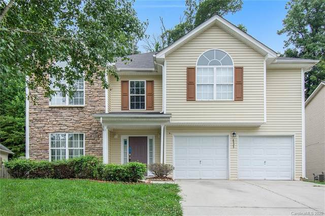 4923 Eagle Creek Drive, Charlotte, NC 28269 (#3629508) :: Rowena Patton's All-Star Powerhouse