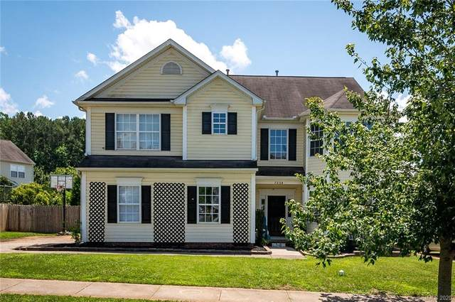 7228 Tanners Creek Drive, Huntersville, NC 28078 (#3630283) :: Carlyle Properties