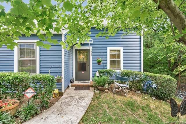 6553 Point Comfort Lane, Charlotte, NC 28226 (#3630452) :: Robert Greene Real Estate, Inc.