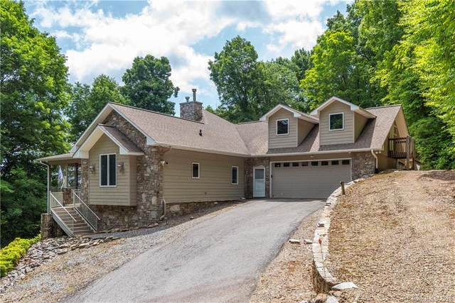 911 Chestnut Flats Lane, Waynesville, NC 28786 (#3631369) :: Johnson Property Group - Keller Williams