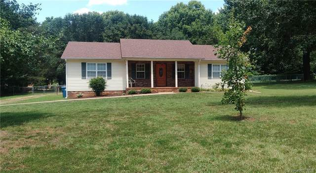 174 Edgewood Circle, Mocksville, NC 27028 (#3632062) :: Miller Realty Group