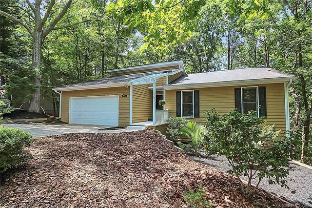 16113 Tana Tea Circle, Tega Cay, SC 29708 (#3632568) :: Rowena Patton's All-Star Powerhouse