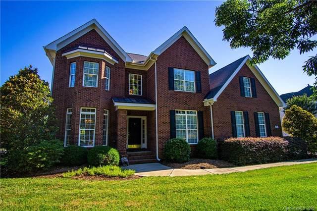 216 Three Greens Drive, Huntersville, NC 28078 (#3634189) :: Austin Barnett Realty, LLC